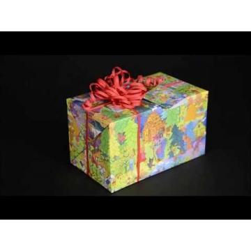 Geschenke ganz leicht einpacken mit schöner Blumenschleife