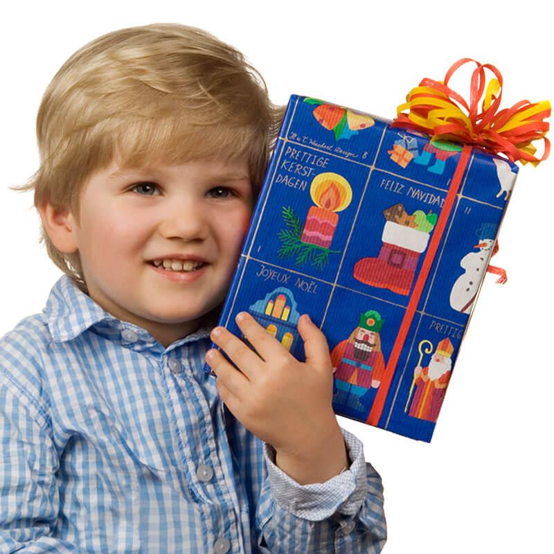 Kind mit Disegno Geschenk